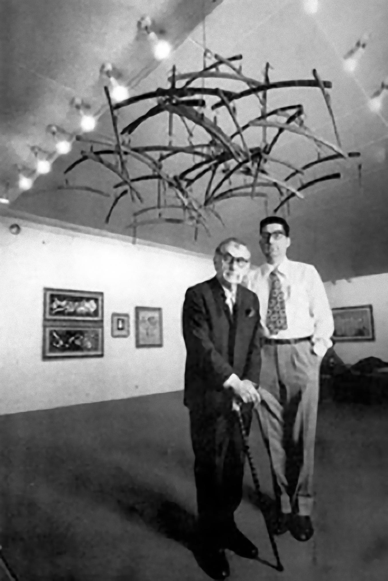 Man Ray e Giorgio Marconi allo studio Marconi, Milano 1968. Foto di Ugo Mulas_e