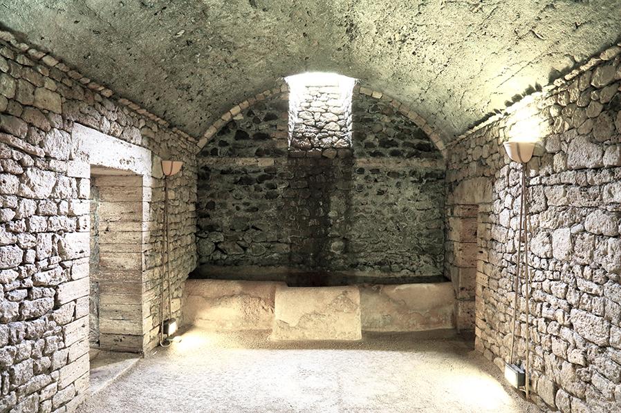 Pietra liquida tutta la forza poetica e generatrice dell - Caruso porta romana ...