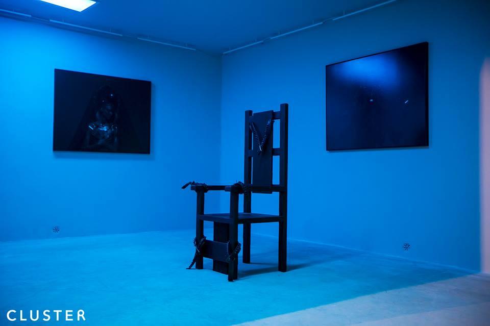 Mustafa Sabbath, sedia elettrica by RETROPOSE (foto Kim Mariani)