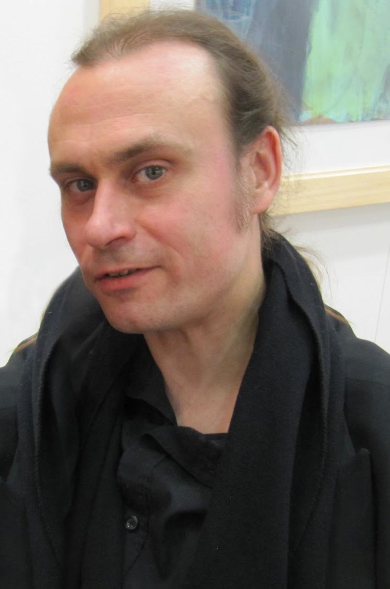 Nove domande ai critici Emanuele Beluffi