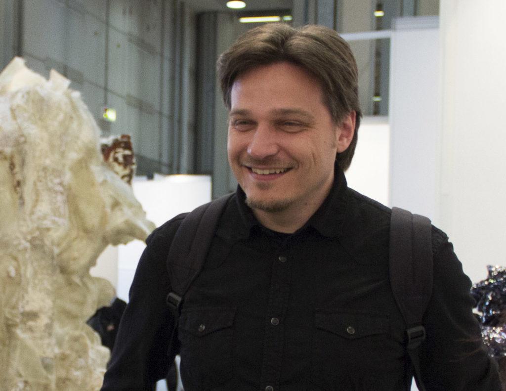 Nove domande ai critici Luca Panaro