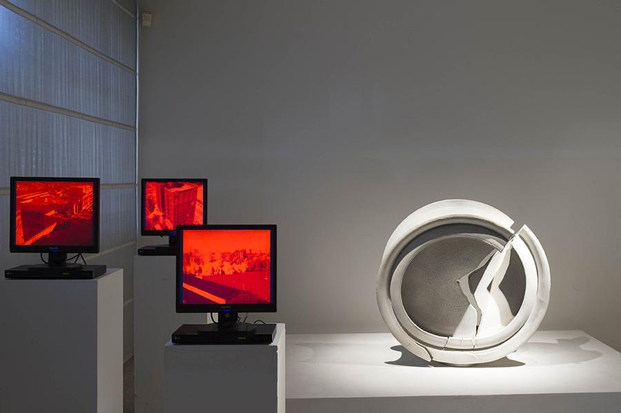 Al Museo Carlo Zauli entriamo in 'Room 60', le stanze dell'identità di Silvia Celeste Calcagno