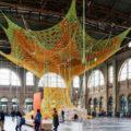 Gaia Mother Tree di Ernesto Neto alla stazione di Zurigo