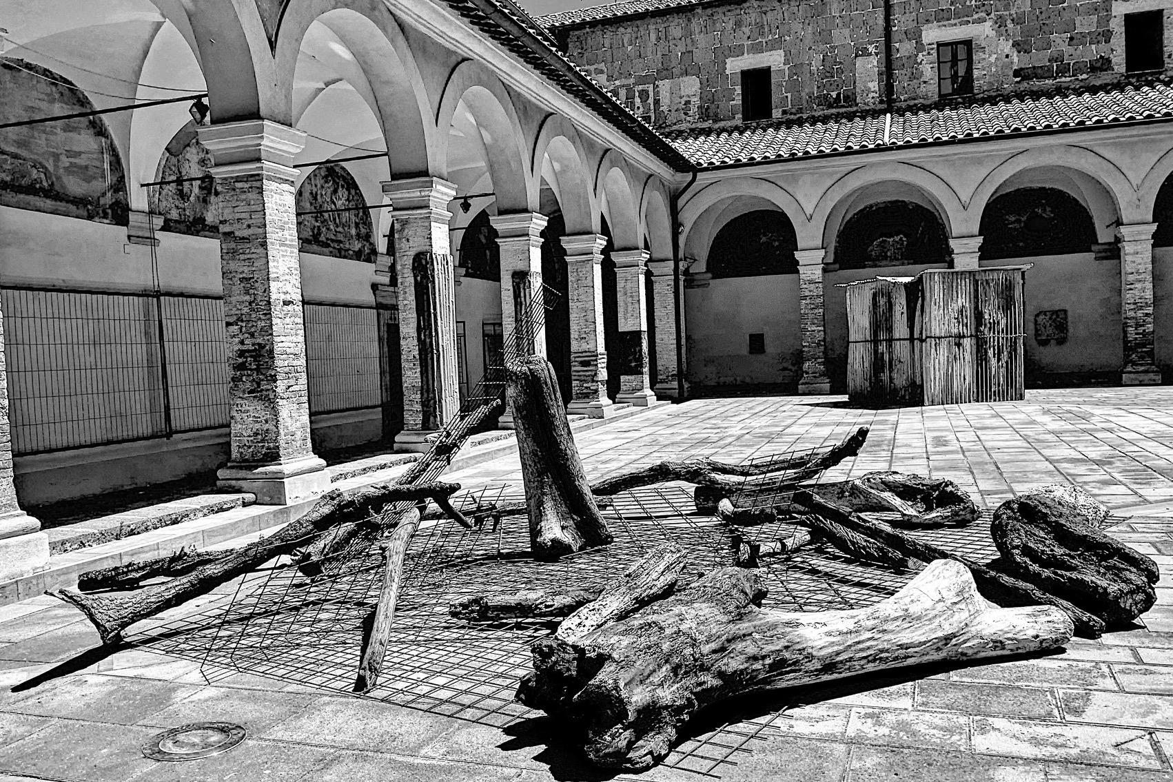 Valentina Palazzari, Affuoco, 2019, exhibition-view, Urban Vision Festival, Project Chiostro di San Francesco, Acquapendente, VT. ph Isaco Praxolu