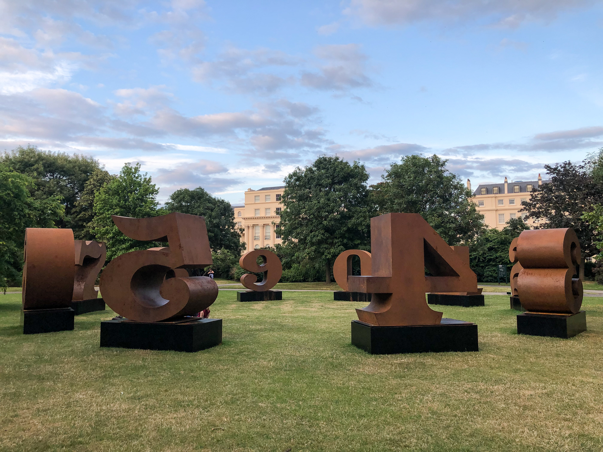 Robert Indiana, One Through Zero (1980-2002). Waddington Custot, Frieze Sculpture 2019  ph. Amalia Di Lanno