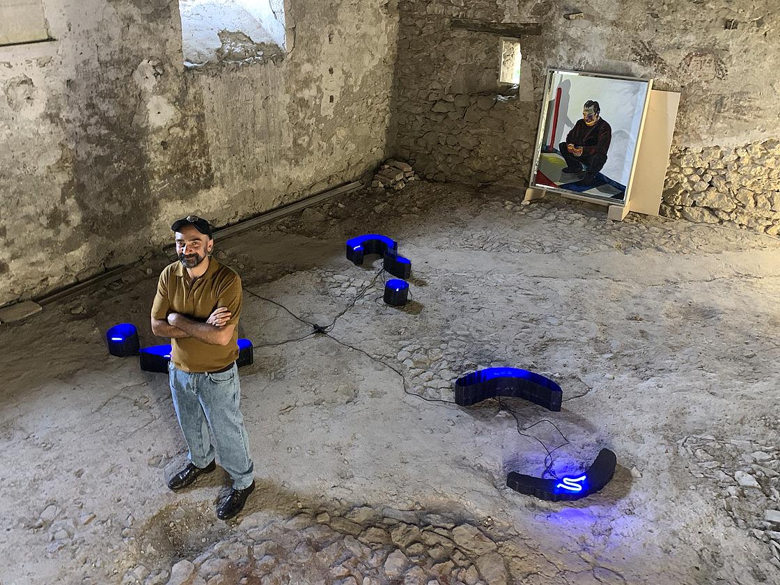 Matteo Fato nella cisterna di Palazzo Maccafani a Pereto