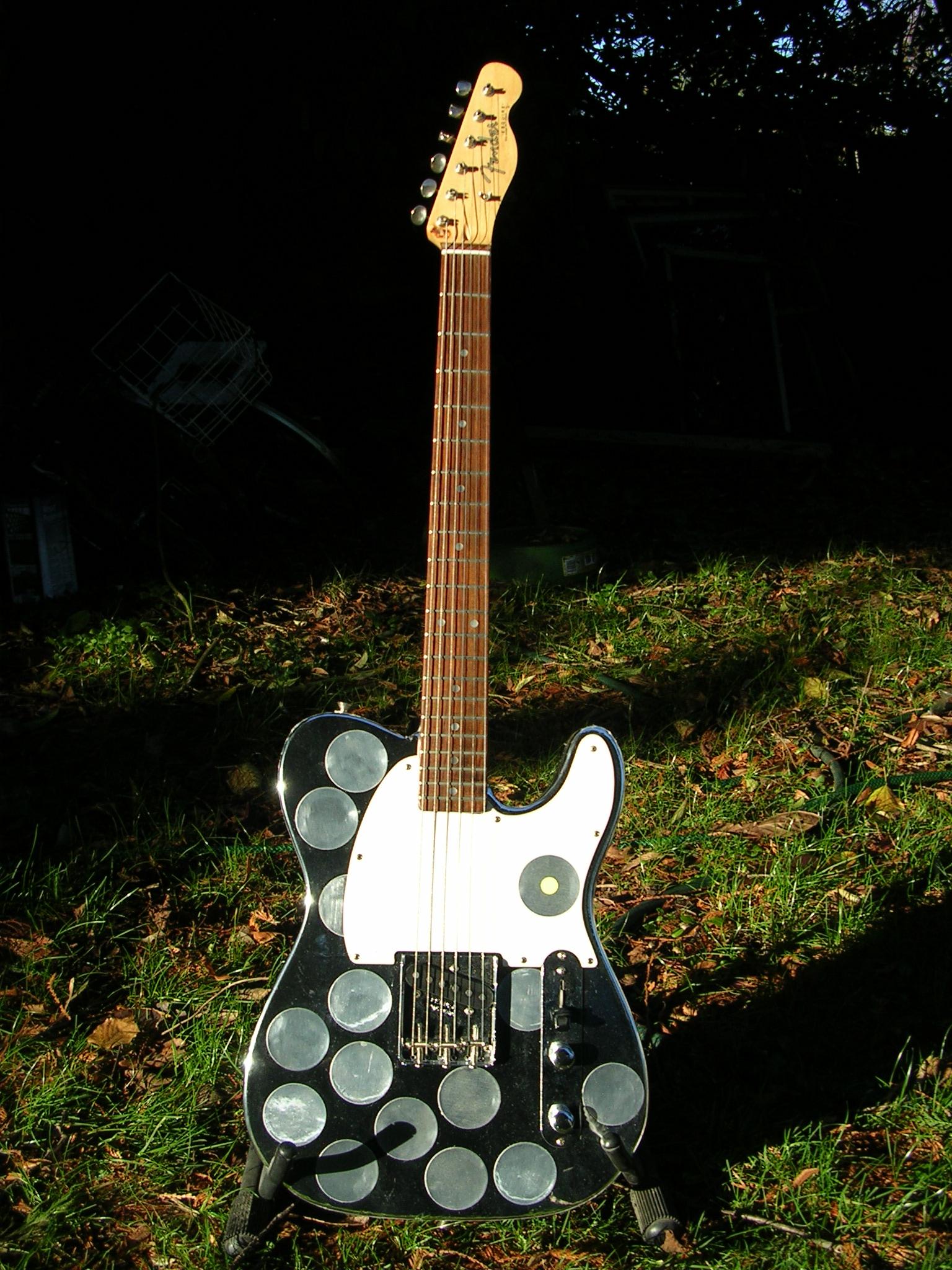 Syd_Barrett_Guitar (1)